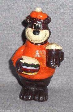 A&W ROOT BEER BEAR W BURGER CAST IRON DIME COIN SAVING CHILD'S SAVINGS BANK A&w Root Beer, Savings Bank, Cast Iron, Snow Globes, Den, Nostalgia, Coins, Christmas Ornaments, Holiday Decor