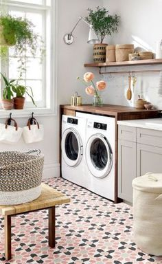 Inspiring Small Laundry Room Design And Decor Ideas 25