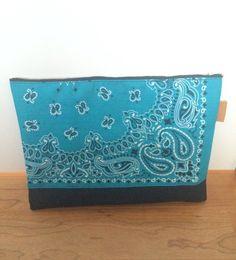 バンダナ×帆布のクラッチバッグ。|ハンドメイド、手作り、手仕事品の通販・販売・購入ならCreema。