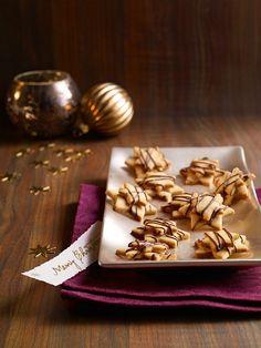 Knusprige Plätzchen mit Erdnusscreme zu Weihnachten