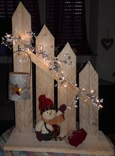 wooden christmas crafts creative wooden christmas decor ideas and inspirations 12 Wooden Christmas Crafts, Outdoor Christmas, Rustic Christmas, Christmas Art, Christmas Projects, Christmas Lights, Holiday Crafts, Christmas Holidays, Christmas Wreaths