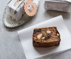 This fruit and nut cake is brilliant at Christmas time, or any time of year! It also makes a great gift wrapped in waxed paper and tied with nice twine. Syrup Cake, Springform Cake Tin, Cake Mixture, Cake Cover, Cake Ingredients, Cake Tins, Quick Meals, Sweet Treats, Baking