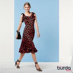 #burdastyle #modaasuamedida #cursoscostura #lovesewing #burdalovers #sewinglovers #fashion #moda #magazine #women #mulher #vestido #dress #kiss