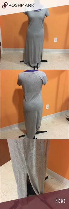 T-shirt maxi dress Grey t-shirt maxi dress with slit on the bottom side. Has a pocket on the front top left. Super cute and comfy, even when you feel lazy you can throw this on and look cute!! The dress is in great condition. Ann Taylor Dresses Maxi