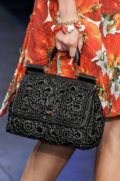Dolce & Gabbana Spring 2012 Ready-to-Wear Collection - Vogue Dolce & Gabbana, Dolce And Gabbana Handbags, Crochet Handbags, Vintage Purses, Knitted Bags, Beautiful Bags, Fashion Bags, Purses And Bags, Ready To Wear