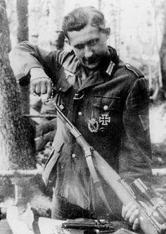 https://flic.kr/p/fHHp2v | Le sniper letton Bruno Sutkus (Bronius Sutkus) membre de la 68. Infanterie-Division a été crédité de 209 tirs mortels