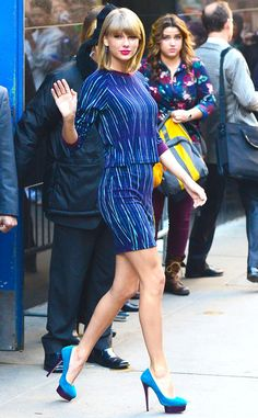 Taylor Swift striped blue look is so chic, and we're loving those heels!