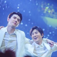 Exo Couple, Xiu Min, Suho Exo, Pop Songs, No One Loves Me, First Love, Kpop, Couples, Asian