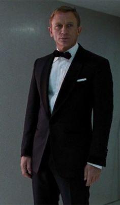 Daniel Craig as James Bond in Quantum of Solace James Bond Tuxedo, James Bond Style, Daniel Craig Style, Daniel Craig James Bond, Rachel Weisz, 1940s Wedding Hair, Marc Forster, Craig Bond, Daniel Graig