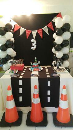62 ideas for disney cars birthday party ideas decoration etsy Hot Wheels Birthday, Race Car Birthday, Race Car Party, 3rd Birthday, Festa Hot Wheels, Hot Wheels Party, Disney Cars Party, Disney Cars Birthday, Car Themed Parties