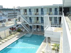 The Harbor Light Motor Inn in North Wildwood New Jersey is a family-friendly hotel with 2 heated swimming pools, large sundecks, outdoor grills, free parking for it's guests and more!