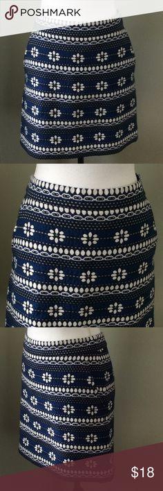 "J. Crew Mini Pencil Skirt Floral J.CREW Pencil Mini Lined Floral Skirt Size 6 Black Blue White Pockets Length-16.5"" Waist-16"" J. Crew Skirts Pencil"