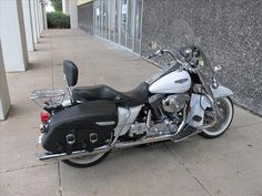 Harley Davidson Road King Classic - cant wait to start the road trips on Johns bike. #harleydavidsonroadkinggirls