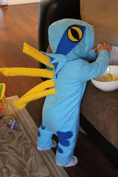 Kaylee's baby murloc costume! <---THIS IS AMAZING AND I NEED SOMEONE TO MAKE THIS FOR ME WHEN I SPAWN!!!!!!