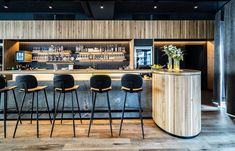 Restaurant Einrichtung - Scanaua - Schaan, Granit Bar mit Eichenstäbchen - ID-Werkstatt, Restaurant Einrichtung aus Österreich