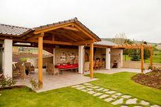 Každá zahradní stavba se zastavěnou plochou větší než 25 m^2 již vyžaduje ohlášení stavebnímu úřadu; Krby Kozák