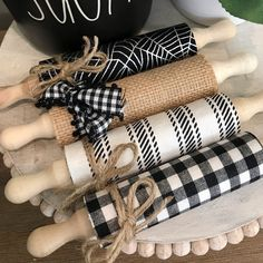 Halloween mini rolling pin for tiered tray decor Fall Crafts, Holiday Crafts, Home Crafts, Style At Home, Farmhouse Christmas Decor, Primitive Christmas, Country Christmas, Farmhouse Decor, Dollar Tree Crafts