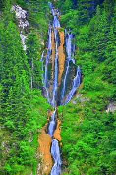 the bigest waterfall from Romania m Beautiful Places To Visit, Beautiful World, Places To See, Visit Romania, Romania Travel, All Nature, Bucharest, Thing 1, Eastern Europe