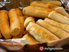 Μπατόν σαλέ 2 #sintagespareas #mpatonsale Hot Dog Buns, Hot Dogs, Cookie Dough Pie, Galette, Greek Recipes, Pain, Pickles, Cucumber, Side Dishes