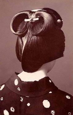Vintage geisha hair