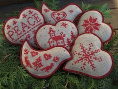 Nordic Christmas style! Loving the look of red on neutral fabric for these cross stitched bowl fillers/ ornaments ;)