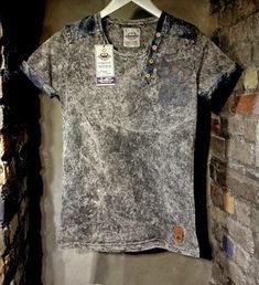 Indigo Prints, Cut Shirts, Mens Tees, Sneakers Fashion, Shirt Designs, Cool Outfits, Base, Deep, Mens Fashion