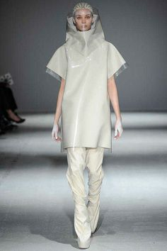 Gareth Pugh | Fall 2014 Ready-to-Wear Collection | Style.com