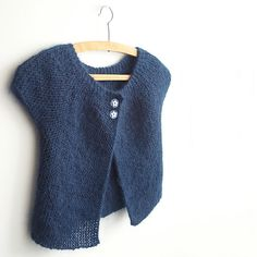 fred-la-fee's cardigan à rangs raccourcis (this post has links to English patterns of the same design)