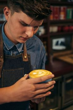 Coffee Latte Art, Cappuccino Coffee, Coffee Good For You, Best Coffee, Benefits Of Drinking Coffee, Drinking Tea, Brown Cafe, Barista, Bartender