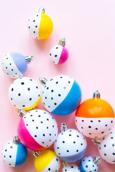 If you fancy a bit of DIY Christmas tree decorations this year then why not make these colourful, modern hand painted Christmas baubles? We love the polka dots and think they would make such a perfect handmade Christmas gift too! Diy Christmas Baubles, Christmas Decorations Sewing, Handmade Christmas Gifts, Tree Decorations, Christmas Christmas, Christmas Wreaths, Xmas, Modern Christmas, Christmas Wedding