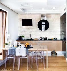 Kamień na ścianie w kuchni