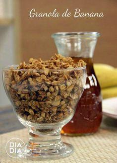 Aprenda a fazer receita deliciosa de Granola de Banana. Como fazer em casa receita de granola de banana com mel. receita caseira de granola de banana.
