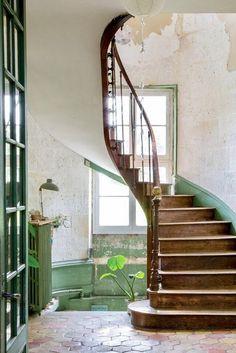 Château de Dirac in Frankreich Modern Staircase Château Dirac Frankreich