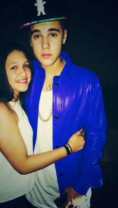 • (15) Justin and a fan tonight in Miami! (Via daniellaah_). (April 5, 2014).