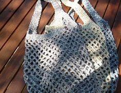 In diesem stabilen Netz kannst du deine Einkäufe, Badesachen, Bälle oder was auch immer transportieren. Das brauchst du: 3-4 Knäul Baumwoll-Bändchen