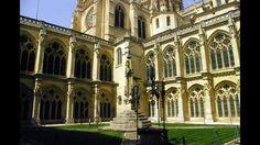 Fotos de: Burgos - Catedral de Burgos - Claustro Bajo