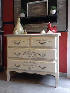 Stencil Brasserie auf Kommode Regie: Christel Moreau www. Upcycled Home Decor, Upcycled Furniture, Furniture Projects, Furniture Makeover, Painted Furniture, Diy Furniture, Dresser As Nightstand, Cushions On Sofa, Home Improvement Projects