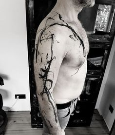 #artist_baer #abstrakt #abstrakte tattoos #apparatabstrakt #dada #artbrut #modernarttattoo #abstract tattoo #experimental #blackwork #art #blacktattooart #tattooandstreetart #tattoo#abstrakte tattoos #blacktattoo #moderntattoo #modern