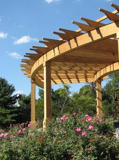 Attached Pergola Ideas Videos Trellis - Pergola Patio Ideas With TV - Pergola Plans Drawing - Houten Pergola Tuin - Pergola Hage DIY Diy Pergola, Curved Pergola, Steel Pergola, Building A Pergola, Pergola Swing, Deck With Pergola, Outdoor Pergola, Pergola Lighting, Cheap Pergola