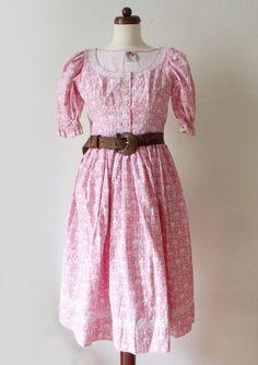 Vintage Dirndl Dress  1970's Pink Lanz von PaperdollVintageShop, €69,90