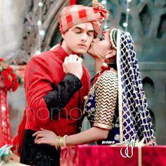 most beautiful couple Best Couple Pictures, Cute Couples Photos, Romantic Couples, Couple Photos, Love Couple Photo, Shivangi Joshi Instagram, Bridal Mehndi Dresses, Kartik And Naira, Wedding Couple Poses Photography