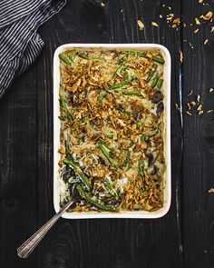 I may make this vegan green been casserole before Thanksgiving! ;) Spotted on the new isachandra.com (formerly The Post Punk Kitchen).