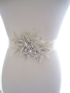 erin cole bridal belts amp sashes couture refreshing designs beaded floral motif with heavily beaded appliques clusters of crystals and white opaque beads - PIPicStats Wedding Sash Belt, Wedding Belts, Bridal Belts, Wedding Dress Accessories, Clothing Accessories, Women's Clothing, Beaded Embroidery, Beaded Appliques, Estilo Boho