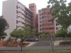 Inmuebles a tu gusto-Apartamentos y casas en venta en Maracaibo: OPORTUNIDAD! Apartamento en Venta Lago Azul