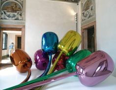 tulips, jeff koons.