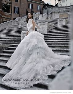 Image from http://www.fashiongonerogue.com/wp-content/uploads/2014/11/bianca-balti-alessandro-angelozzi-bridal-couture-2015-04.jpg.