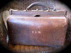 All sizes | Steampunk Gear: Vintage Ox Leather Gladstone Bag, via Flickr.