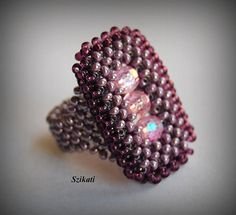 Beaded violet seed bead ring Right Angle Weave OOAK por Szikati, $25.00