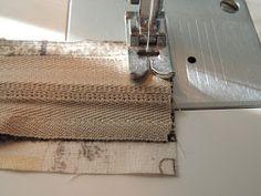 flor de minuto: Tutorial estuche guardahilos Vanity, Sewing, Totes, Couture, Scrappy Quilts, Flower, Bag, Sewing Patterns, Carton Box