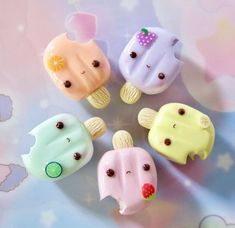 Fimo Kawaii, Polymer Clay Kawaii, Kawaii Crafts, Polymer Clay Charms, Cute Crafts, Polymer Clay Miniatures, Polymer Clay Creations, Crea Fimo, Mini Craft
